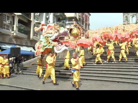 dragon dance parades in