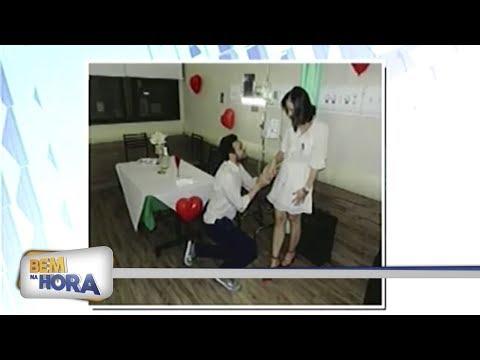 Surpresa: Paciente com leucemia é pedida em casamento em hospital