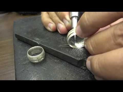 834363c16c7 Caligrafia Manuscrita em aliança de prata - YouTube