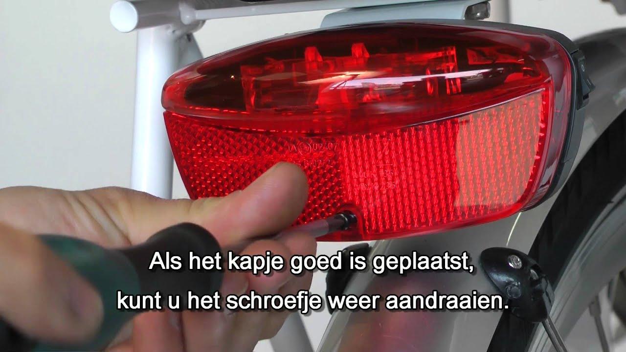 Batterijen achterlicht vervangen (E-bikez) - YouTube