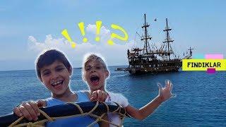 Fındıklar. Fındıklar yeni macera yaşıyorlar! Mikail, Elis ve Meryem korsan gemisinde.