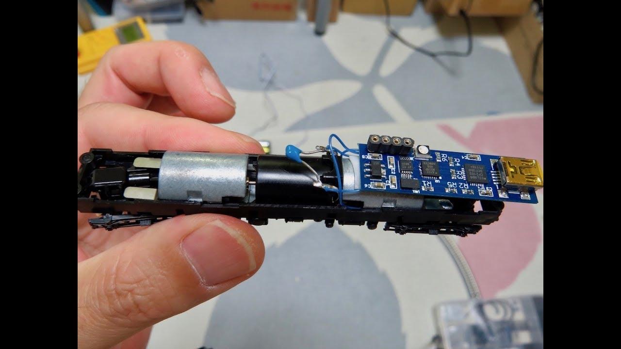 Tiniest Control Board Fits Inside An N-Gauge Model Train | Hackaday