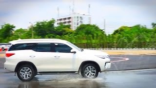 NEW ► 2018 Toyota Fortuner - Test Drive