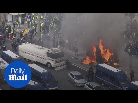 Yellow vests set fire to Paris in 18th straight weekend of protest