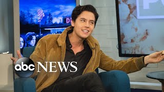 'Riverdale' star Cole Spr๐use sings Nat King Cole's 'Unforgettable'