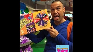 Toy Hunting In Times Square | New York City | Toys R Us Disney Sanrio | PSToyReviews