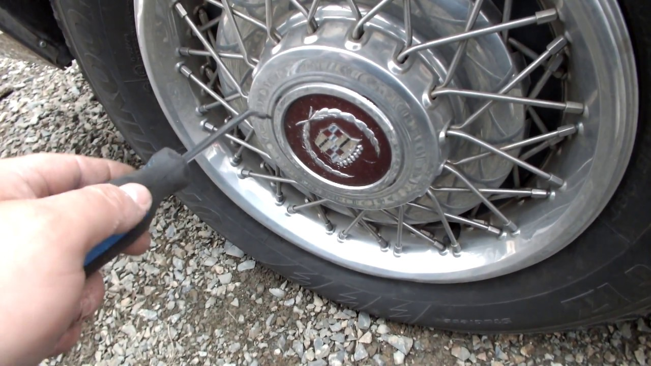 Wire Disc Hubcap Removal & Installment
