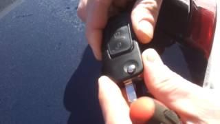 Разбираем брелок ff2(как разобрать брелок Ford focus 2, на видео показано как разделить части брелока, хотя, если брелок не старый..., 2013-02-23T17:17:11.000Z)