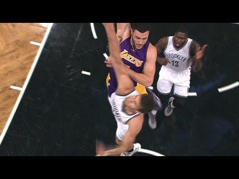 Larry Nance Jr Puts Lopez on a Poster | 12.14.16