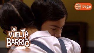 ¡Lily y Pedro se dan tierno abrazo! - De Vuelta al Barrio 26/12/2018