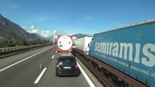 Vollsperrung in Italien  LKW unfall  PKW fahren zurück