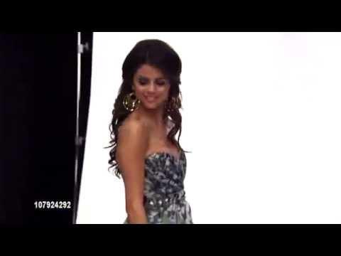 Selena Gomez - Peoples Choice Awards 2011