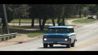 Vintage Chevy Suburban Cruiser Action