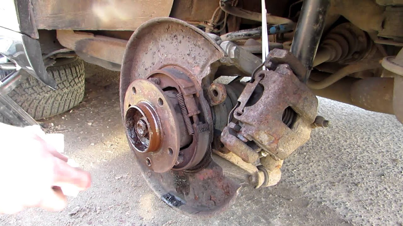 How To Replace Bmw 323 Ci E46 Disk Brakes Youtube