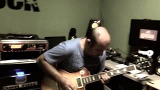 Daniel Machado (guitarrista do ministério Fernandinho ),no studio RockOne,teste de equipamentos.
