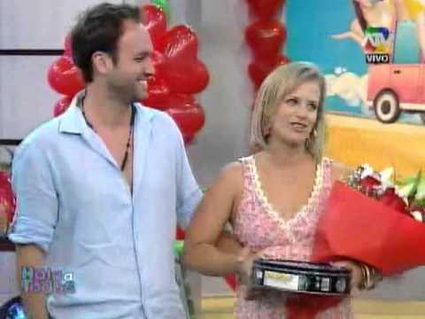 Rossana fern ndez maldonado recibe el visita for Mobilia y maldonado
