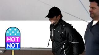 Baixar CELEB FLASHBACK: Renée Zellweger & Bradley Cooper Leaving LAX