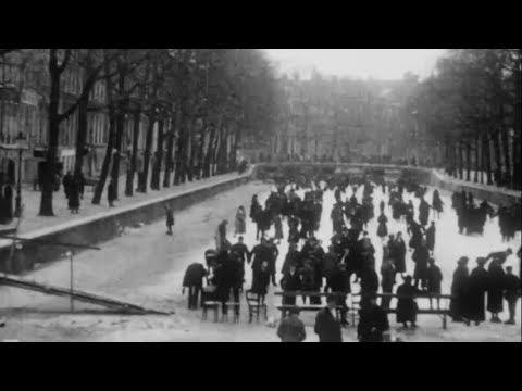 1917:-ijsvermaak-op-de-herengracht-te-amsterdam-en-in-waterland---oude-filmbeelden