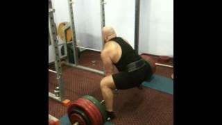 Cергей Вачинский становая тяга 300 кг на 2 раза ,подготовка к KRINICA CUP 2014