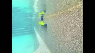 Обзор: Щетка для чистки стен бассейна