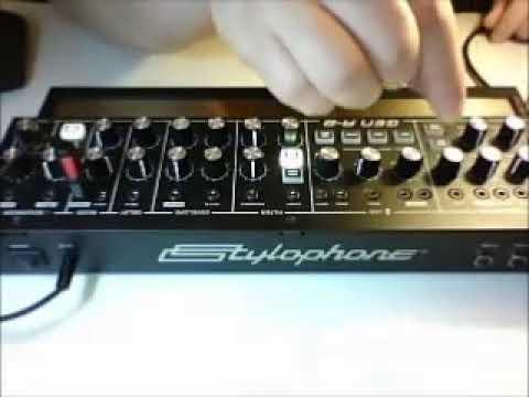 Stylophone GEN R-8 demo part 4/4 full video - Giorgio Moroder Chase