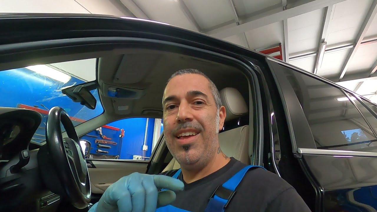 Download BMW X3 Sostituzione pastiglie posteriori