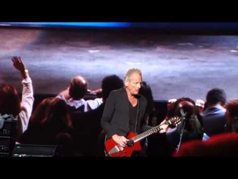 Fleetwood Mac - Go Your Own Way (Melbourne, 02.11.2015)
