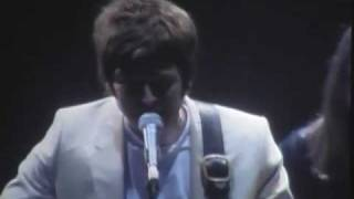 Oasis - Don't Look Back In Anger - Live In Seoul, Korea 2009