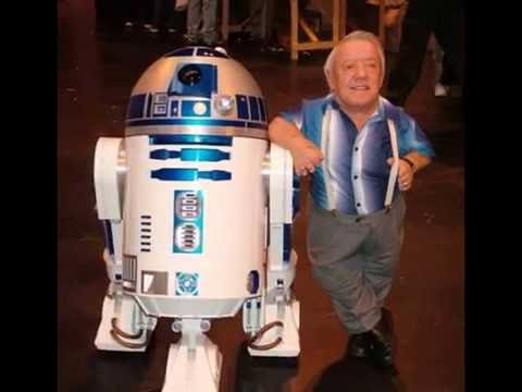 FUNERAL PHOTOS-Kenny Baker(83), actor behind R2-D2(Star Wars)