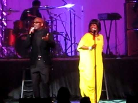 Bebe & CeCe Winans LIVE--Addictive Love in New York (2011)