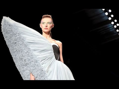 Viktor & Rolf | Spring Summer 2010 Full Fashion Show | Exclusive