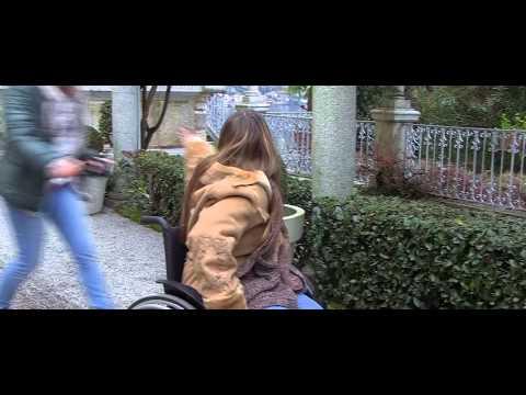 Donna In Sedia A Rotelle Guaite E Cammina Doovi