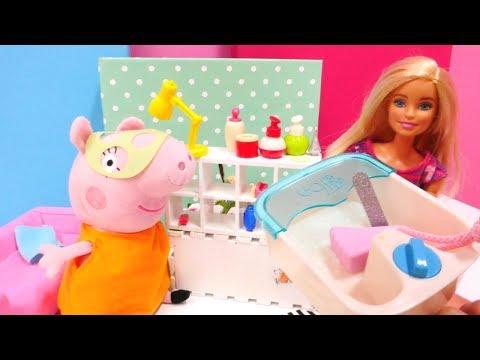 Mama Wutz geht in Barbies Schönheitssalon. Spielzeuge für Kinder