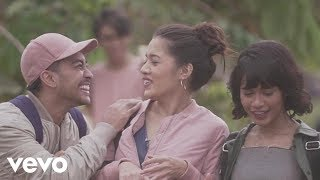 "Video Galih & Ratna (From ""Galih & Ratna"") [Official Music Video] download MP3, 3GP, MP4, WEBM, AVI, FLV Desember 2017"