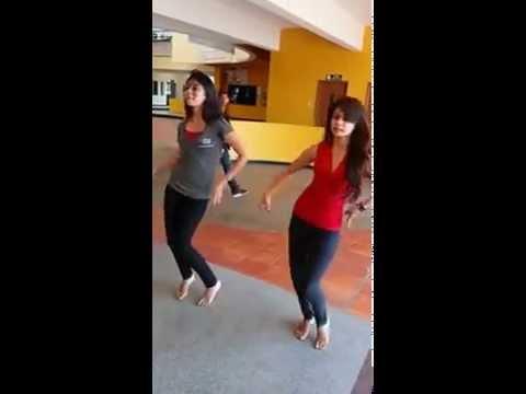 How to dance Garba: Learn Dandiya in 5 Simple steps for ...