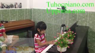 Lớp Piano Trẻ Em Thủ Đức - Phương Anh - Kìa Con Bướm Vàng [TT Âm Nhạc Upponia - Tự Học Piano]