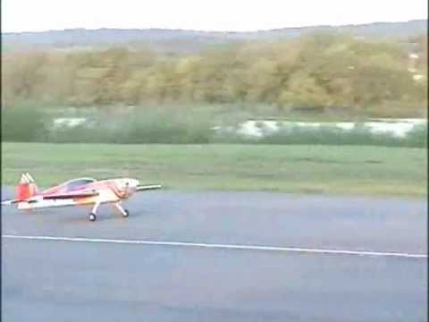 Benny Chi - Great Planes Patty Wagstaff Extra 300S - 2005-09-24