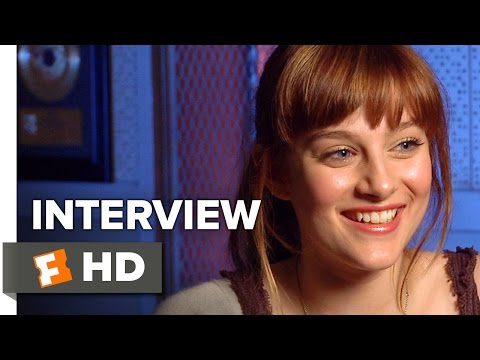 Jem and the Holograms Interview - Aubrey Peeples (2015) - Drama ...