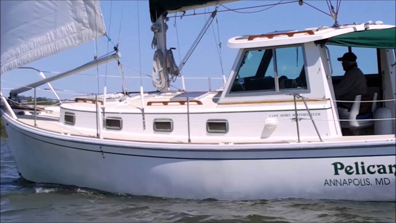 Sailing Cape Dory 30 Motorsailer for sale Annapolis Fred Hallett light  breeze nice cruising sailboat