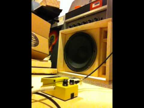 Eminence Deltalite 2512 in a TL806 thiele guitar cabinet - YouTube