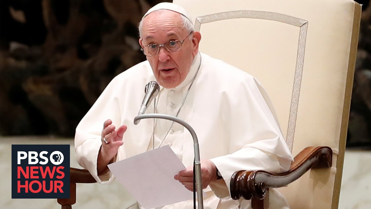 Pope Francis changes church law to give women slightly larger role ...