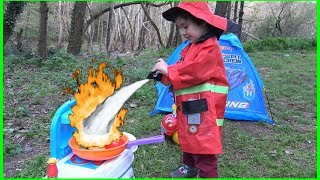 Oyuncu Yusuf Pretend Play with Fireman Costume and Equipment