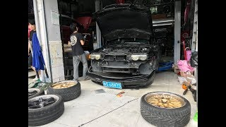 BMW E38 капот заклинило, красим диски! Начинаем новый сезон.