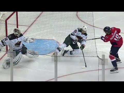 Wild's Brodin bails out Stalock with spectacular defensive play