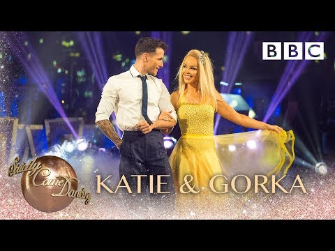 Katie Piper & Gorka Marquez Foxtrot to 'City of Stars' - BBC Strictly 2018