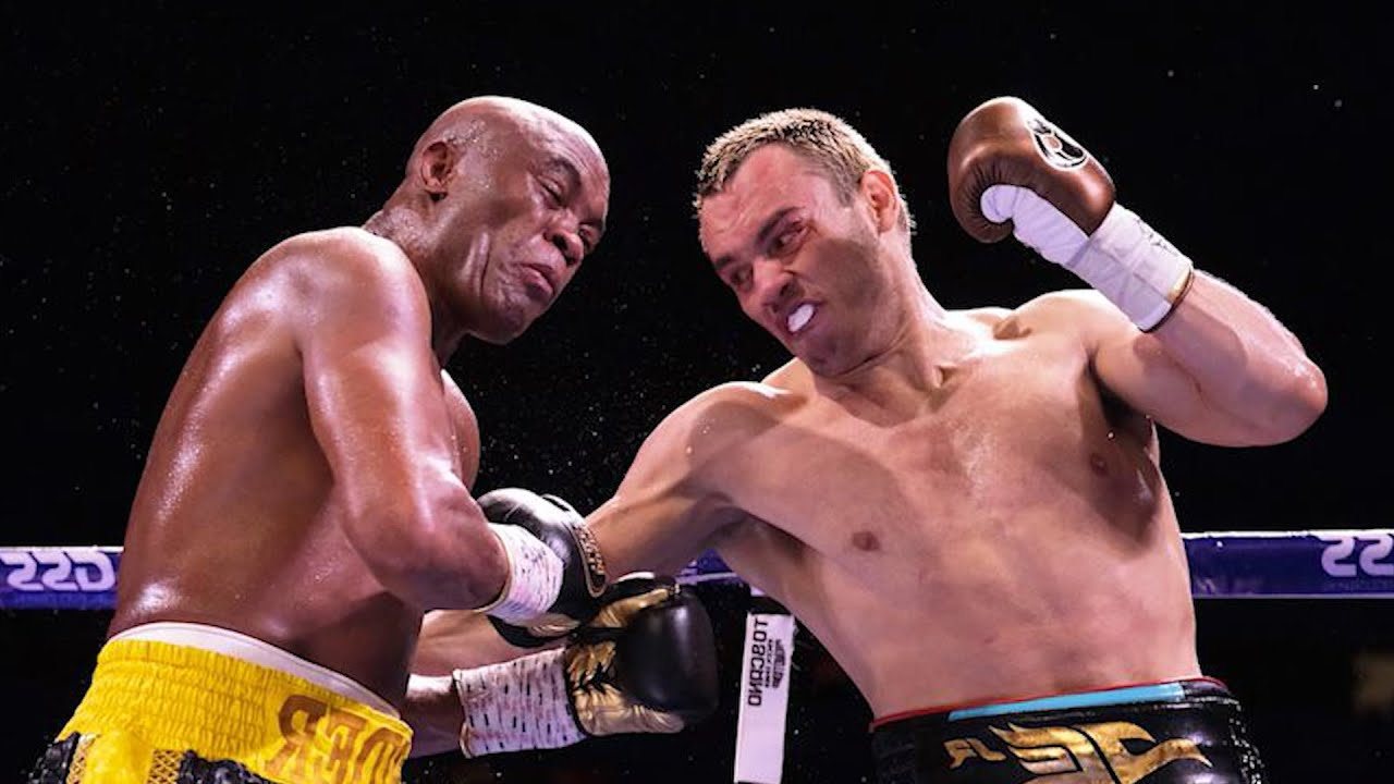 Anderson Silva in-fighting with Julio Cesar Chavez Jr.