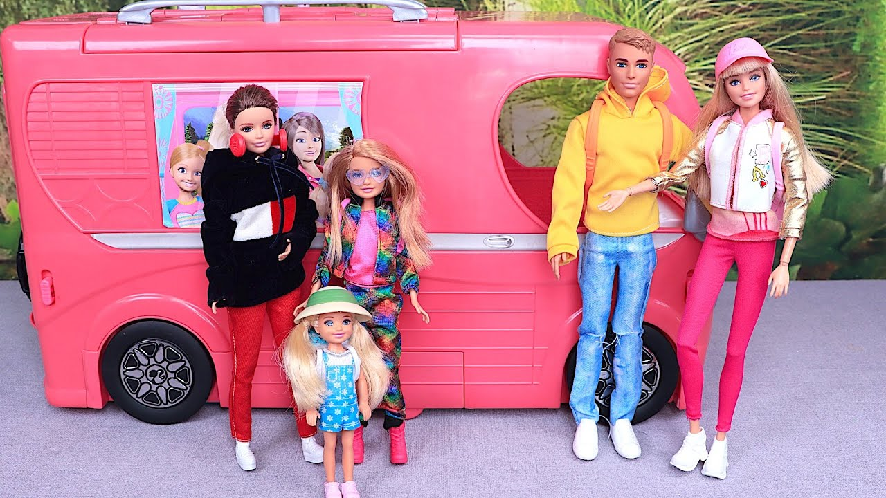 Barbie Doll family weekend routine with camper van trip I Play Toys