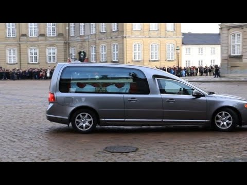 Prince Henrik's coffin arrives at Denmark's royal palace