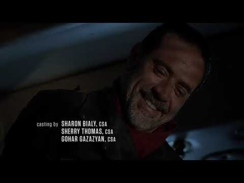 THE WALKING DEAD Season 7 Episode 1:Negan throws the axe onto the RV
