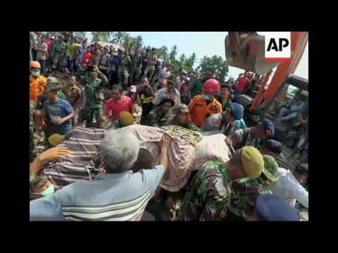 Rescue teams search for survivors of Aceh quake